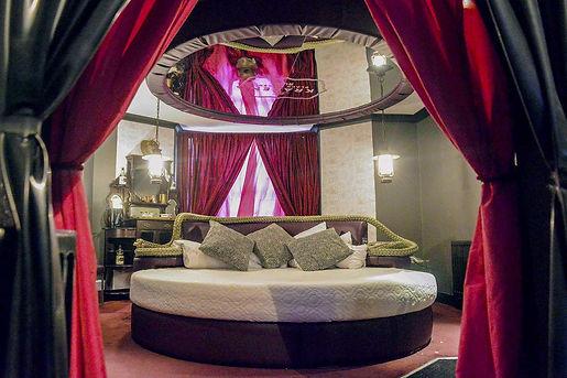 02_KinkyAmenities__HotelPelirocco_2.-Lov