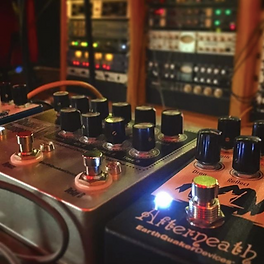 Pedals & Pre amps.png