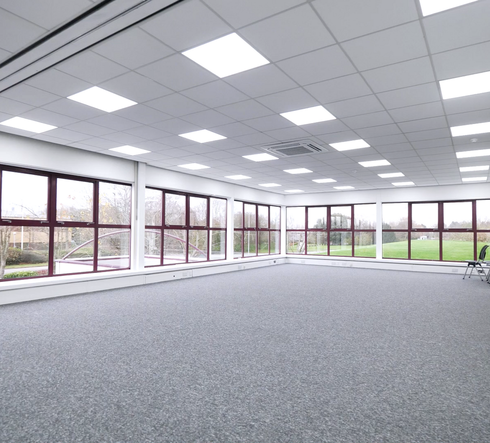 Large Office without Virtual Staging