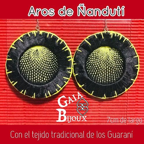 Aros de Ñanduti (bordados a mano)