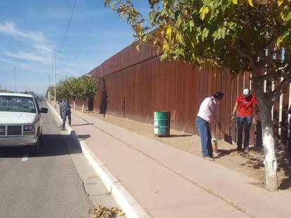 Suma OOMAPAS una jornada más de embelledimiento de calle Internacional