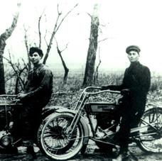 1913 Jonas Ratzloff and Jacob B Unruh