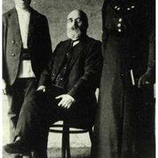 1916 John David Nachtigal with son Isaac and daughter Katherine