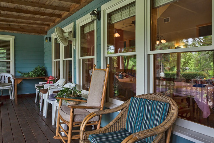Southern Hospitality Home Resident Screened Porch