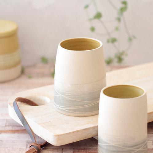 Stoneware vase - Mustard interior