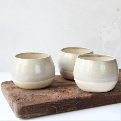 Stoneware bowl / planter