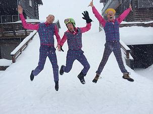 """Cirkus Big har mange gange leveret komplette løsninger på div. skihoteller i Norge. Vi laver et bredt udsnit af vores pakke, men særligt vores parader i sneen med kostumer tager kegler i """"hejsene"""""""