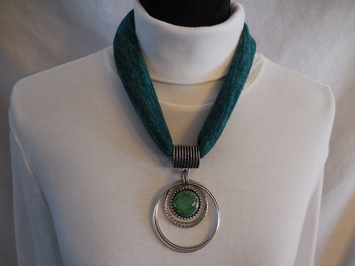 Green Stretch Necklace  SN211