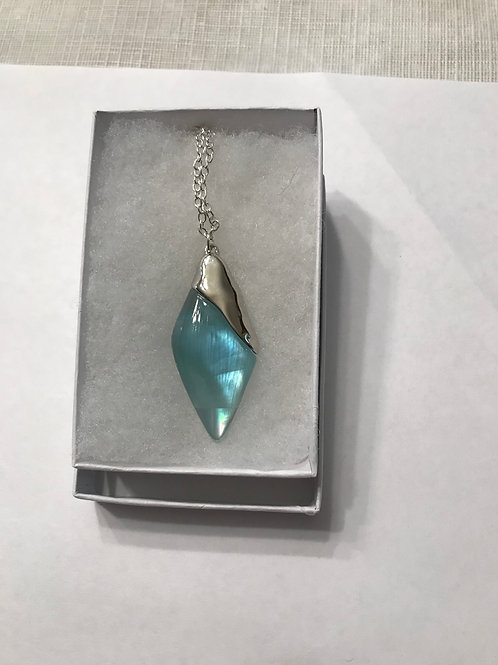 Light blue pendant on chain LBN02