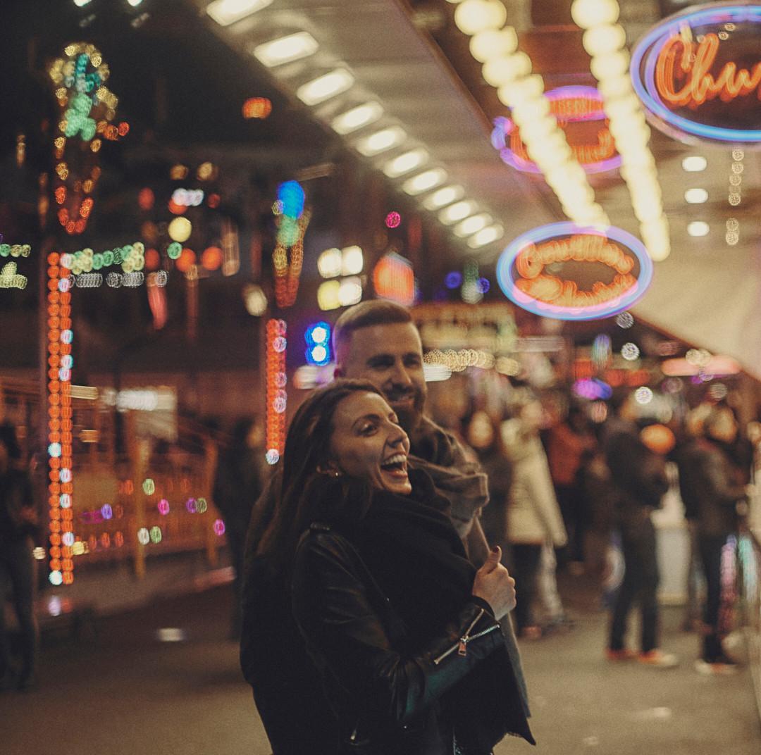 Séance couple à la fête foraine