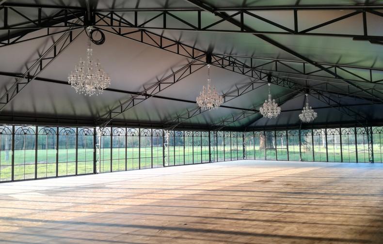 L'intérieur du palais de verre version salle de sport