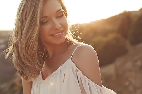 Website women blonde.jpg2.jpg