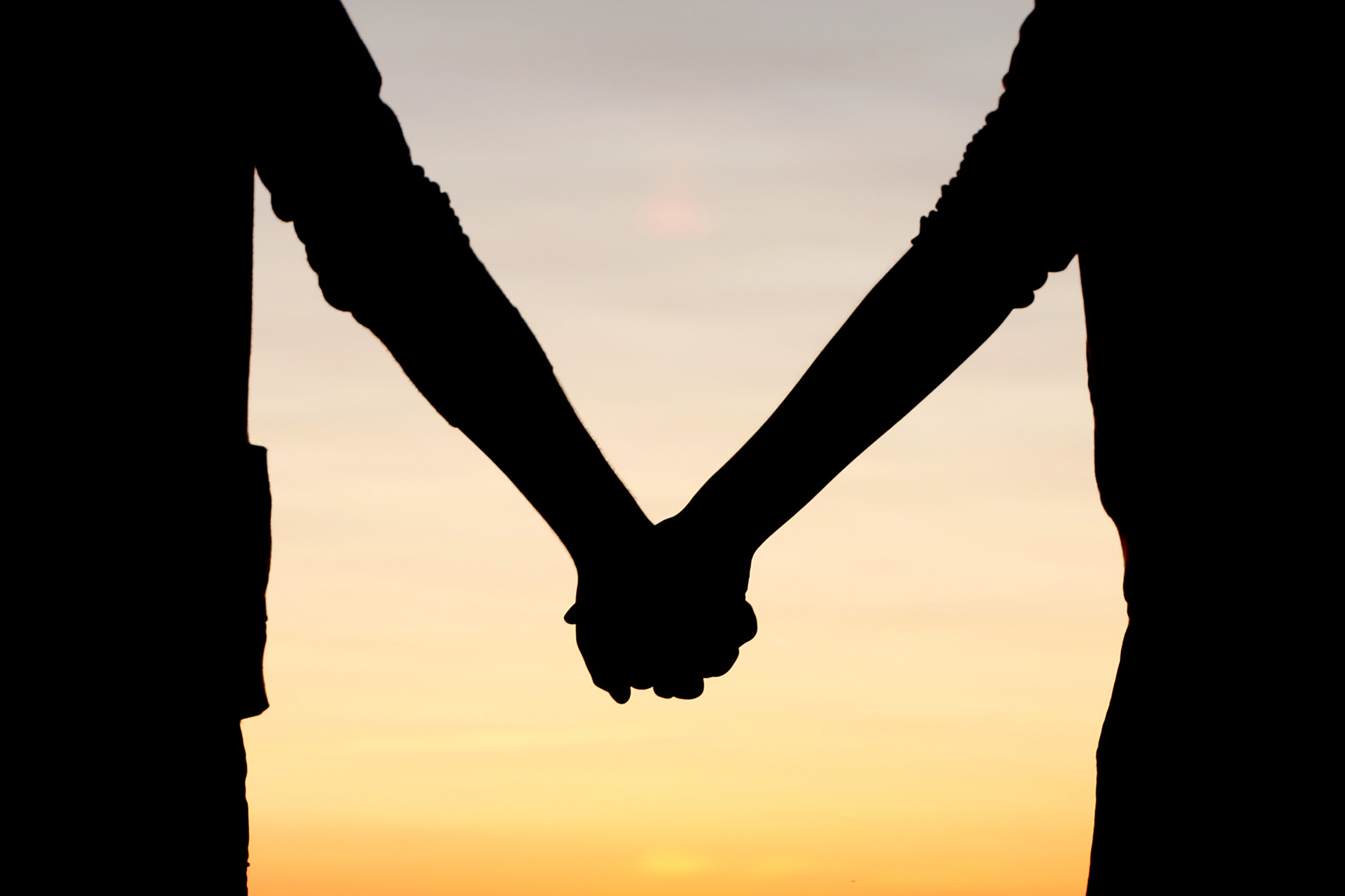 friends-holding-hands-images-HOLDING-HANDS