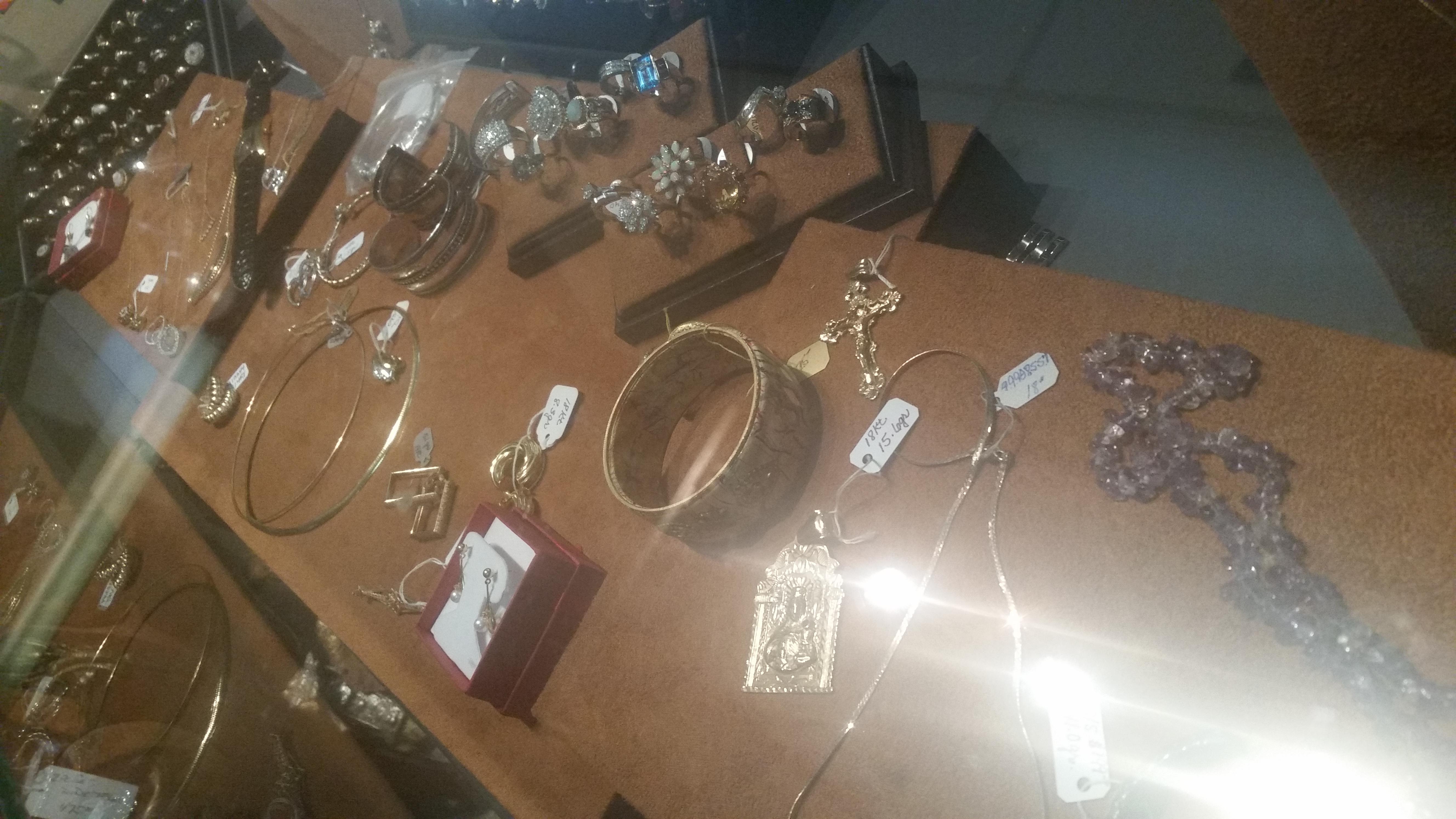 Women's Rings & Bracelets