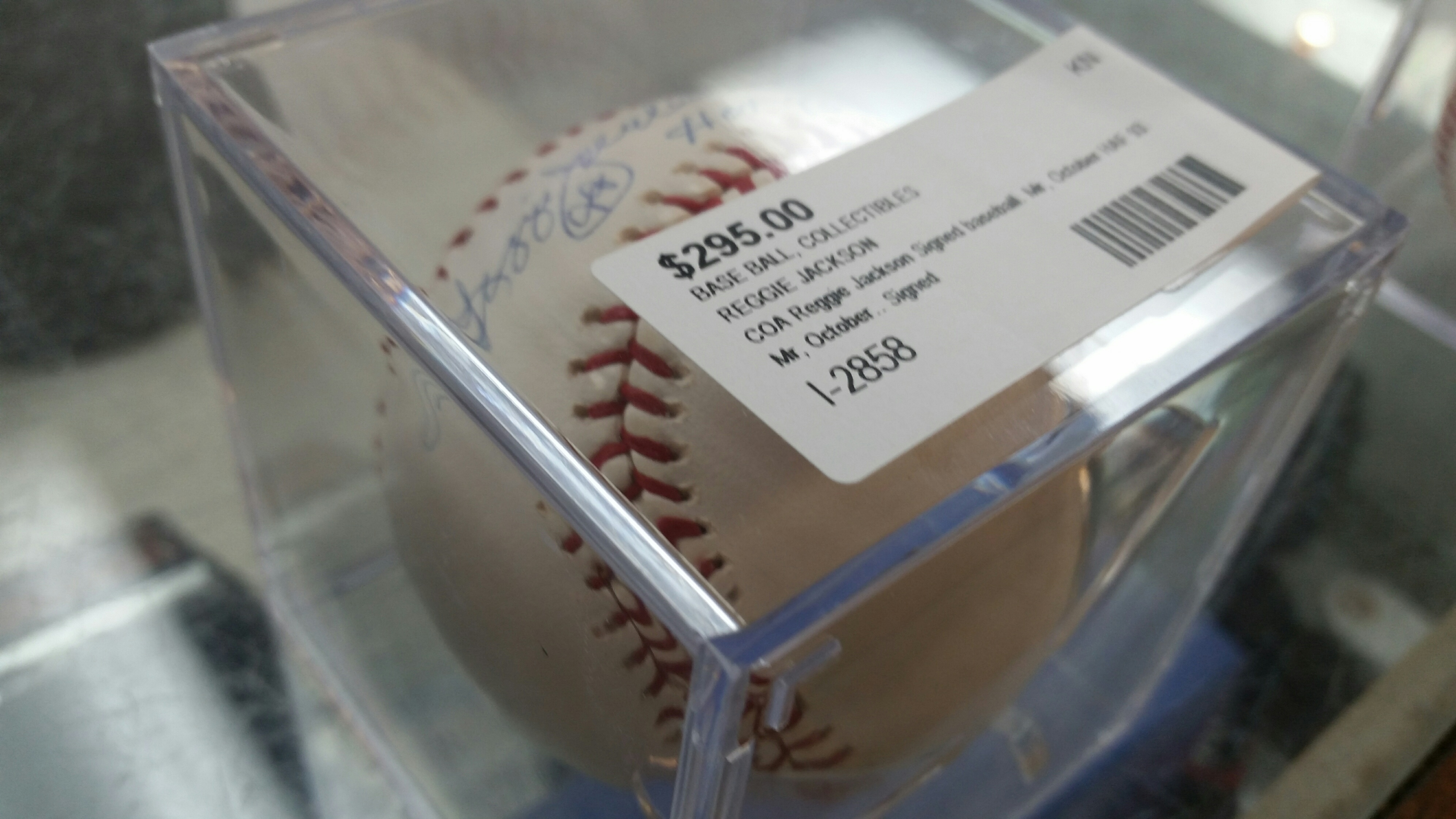 Signed Baseball-Reggie Jackson1