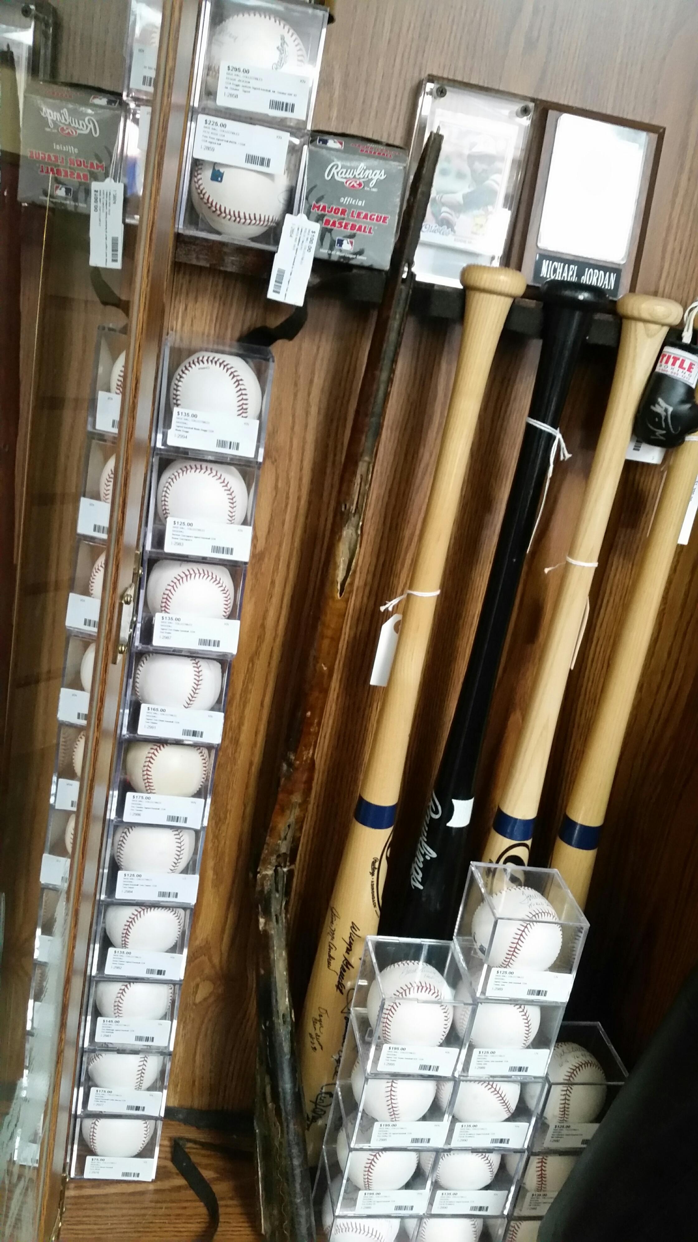 Sports Memorabilia_Baseball