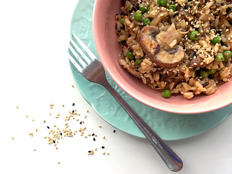 Salade de champignons sauvages poêlés et petits pois au sésame