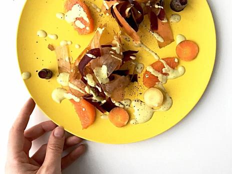 Salade de carottes et orange avec vinaigrette onctueuse au curcuma et au gingembre
