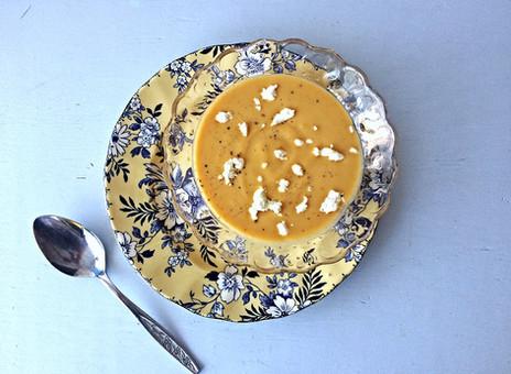 Soupe épicée à la citrouille et au fromage de chèvre