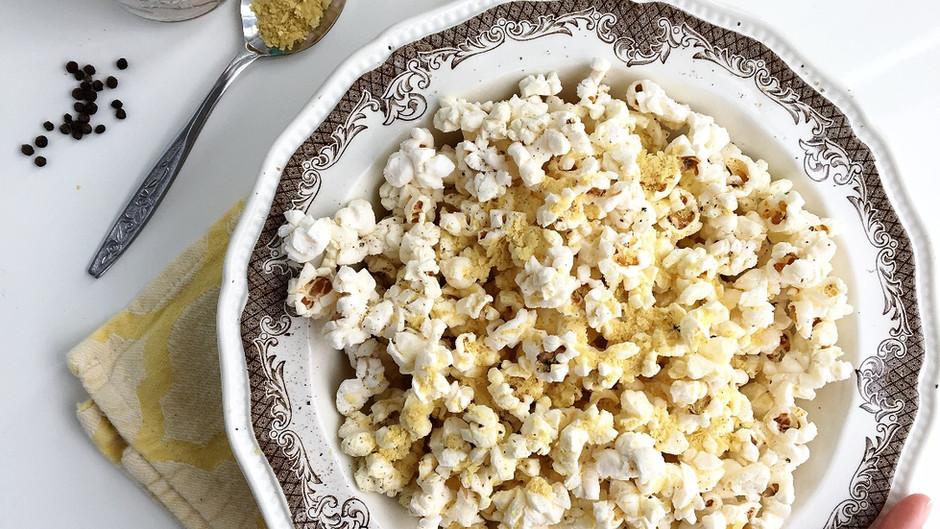 Popcorn à la levure alimentaire, au sel rose d'Himalaya & poivre noir
