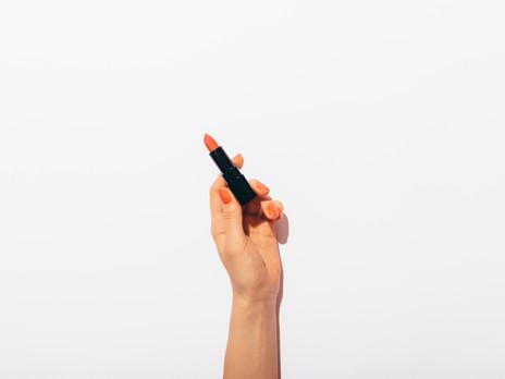 La trousse minimaliste : Comment maximiser sa trousse de maquillage