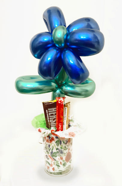flower_with_candy.jpg