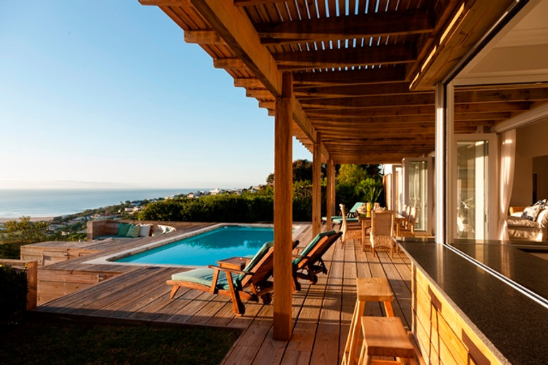 Bella Bay Pool Deck.jpg