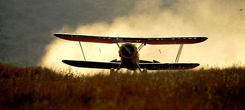 KENYA lewa-wilderness-plane-landing.jpg