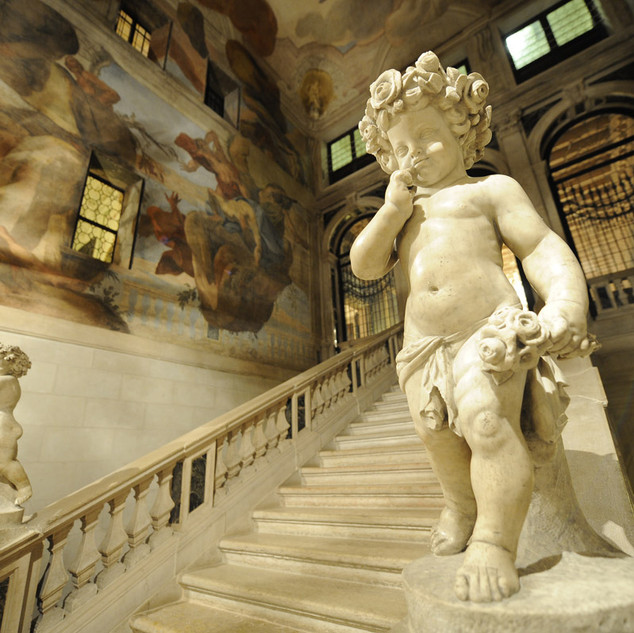 casagredo grand stair case.jpg