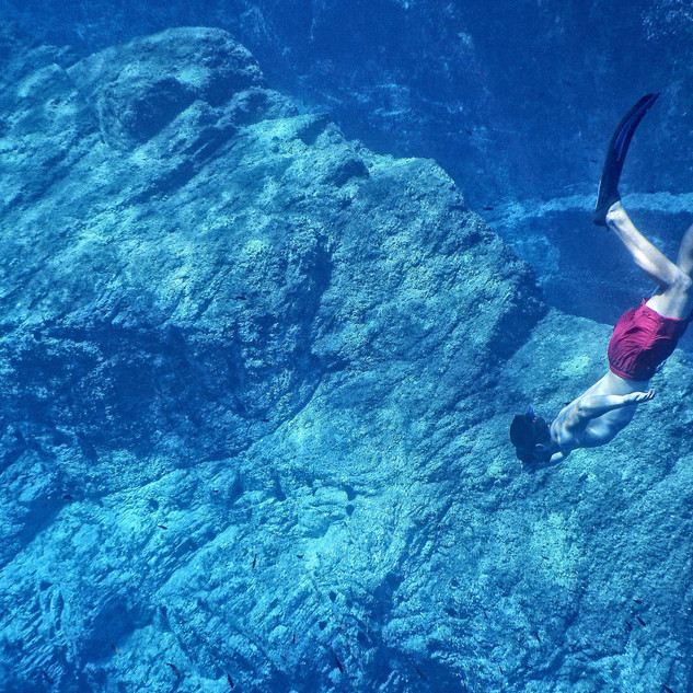 Cocoon Diving scuba2.jpg