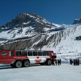 Rocky Mountaineer ice-explorer.jpg