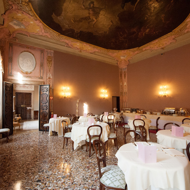casagredo_dining room.jpg