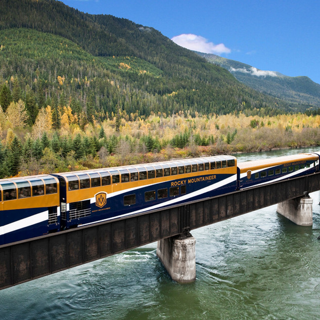 Rocky Mountaineer - Fraser Canyon near C