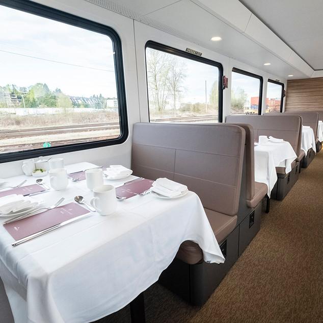 Rocky Mountaineer Dining.jpg