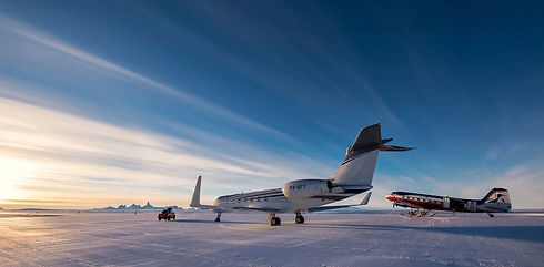 Tours-to-Antarctica-Aircraft-Journeys-by