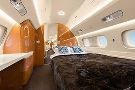 Flitestqar-Private-Jets-Lineage1000-cabi