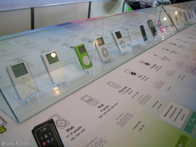 Produtos da Apple sendo vendidos.