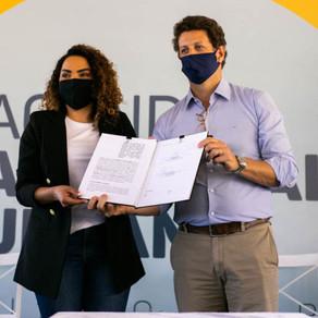 Salles assina acordo com Suéllen para atuar na agenda ambiental urbana de Bauru