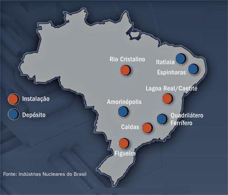 A foto mostra onde tem depósito de minério no Brasil. Como o Quadrilátero Ferrífero, Itatiaia e Amorinópolis.