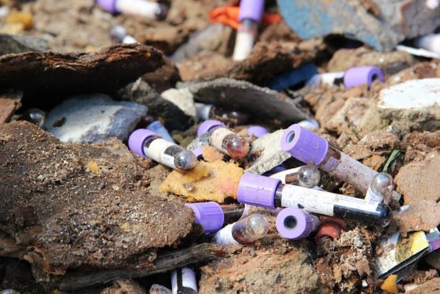 Descarte incorreto do Lixo hospitalar