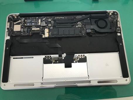 APPLE MacBookAirのA1465 キーボード交換修理