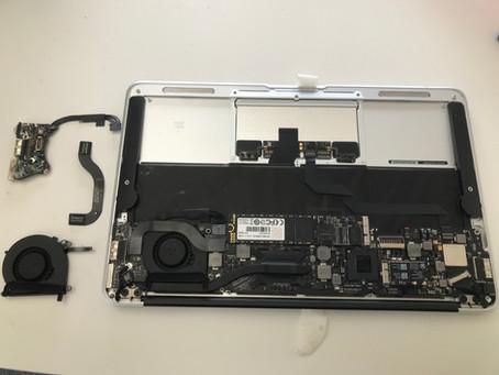 APPLE MacBookAirのA1465 2012 起動不可修理