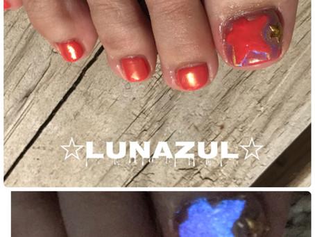 Orange + Unicorn powder/Mermaid effect powder & Glow in dark.