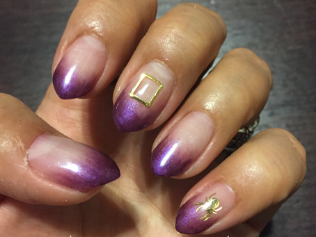 シンプルな紫のグラデ。Simple purple gradation.