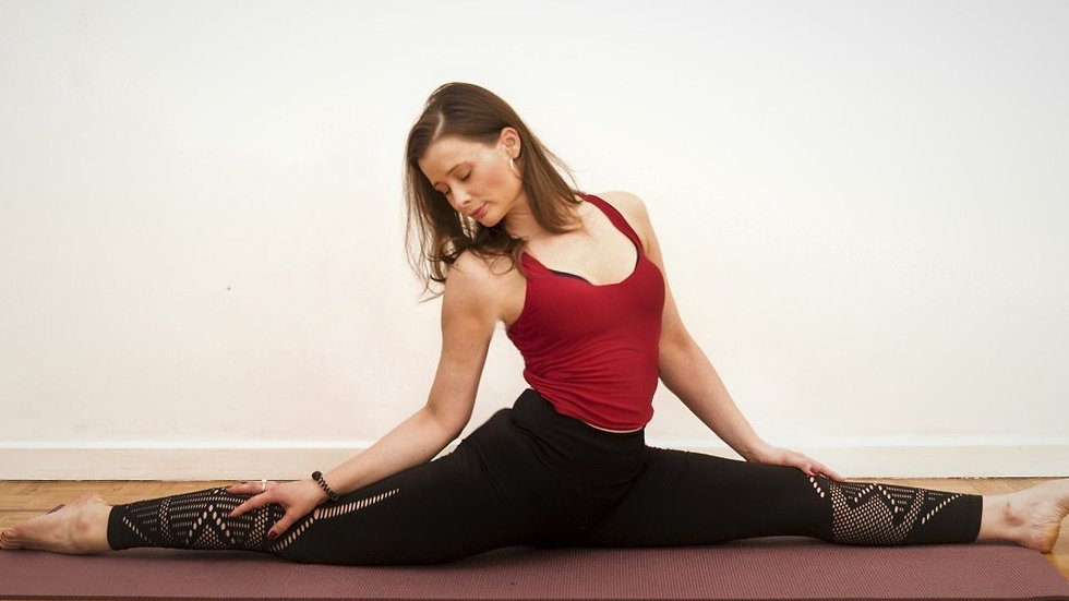 Orsi-Yoga-Pilates-Yoga-Split-2