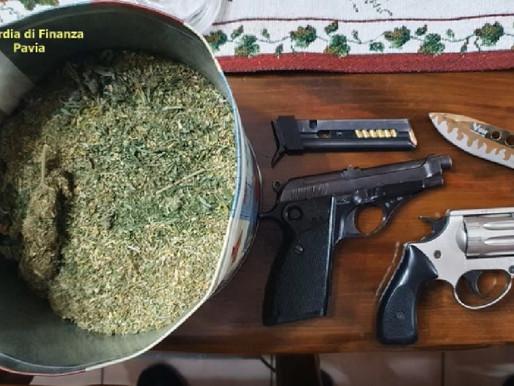 Blitz della Guardia di Finanza: 9 arresti, sequestrate 100 piante di marijuana, cocaina e hashish