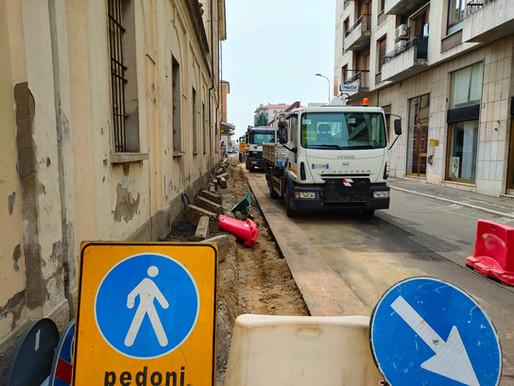Il marciapiede ristretto per essere sicuro (stranamente...) non convince il Consiglio