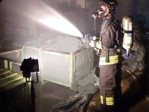 Cilavegna: prima minaccia l'ex fidanzata e poi le incendia il magazzino, arrestato