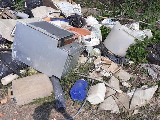 Mortara-Olevano, la panoramica dell'immondizia abbandonata