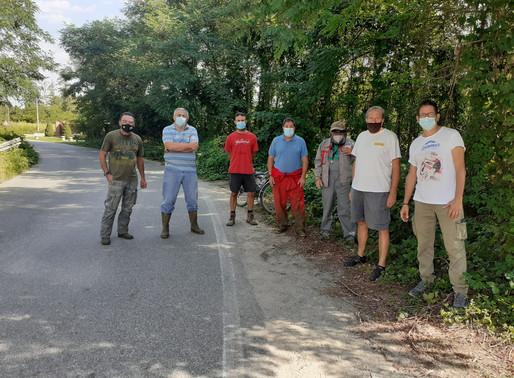 Le frazioni pronte alla rivolta: cittadini-giardinieri in strada minacciano lo sciopero fiscale